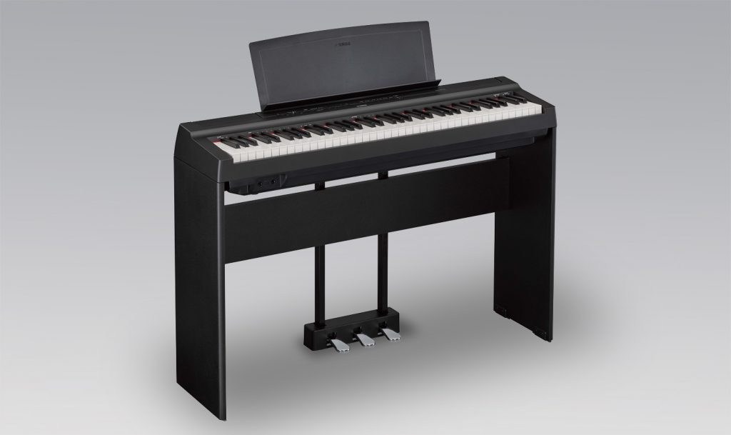 Yamaha P-121BK digital portable piano