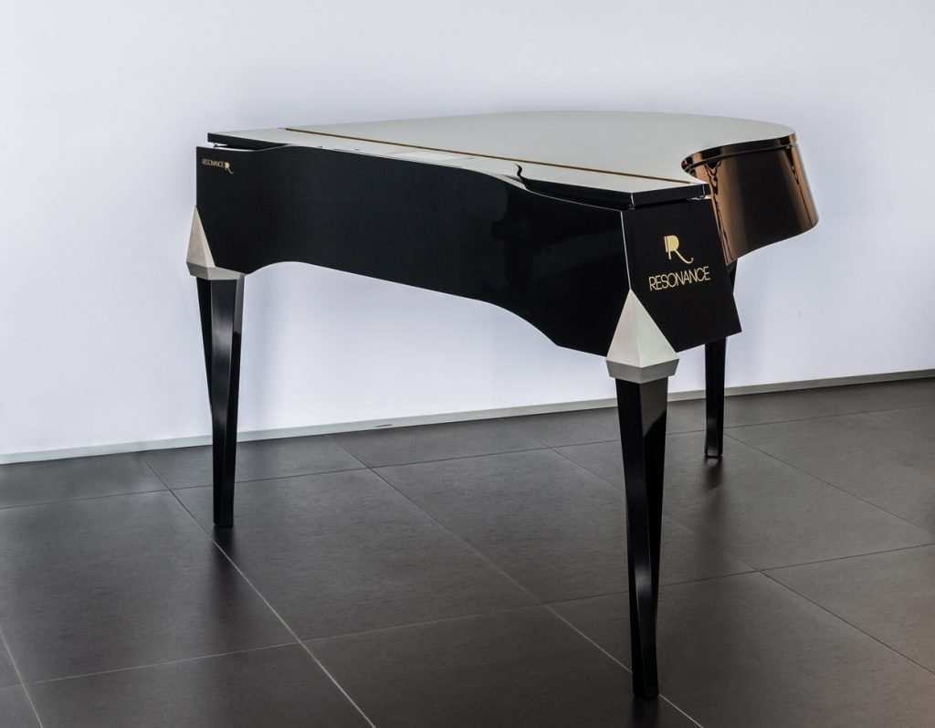 Resonance piano (horizontal) without a digital piano