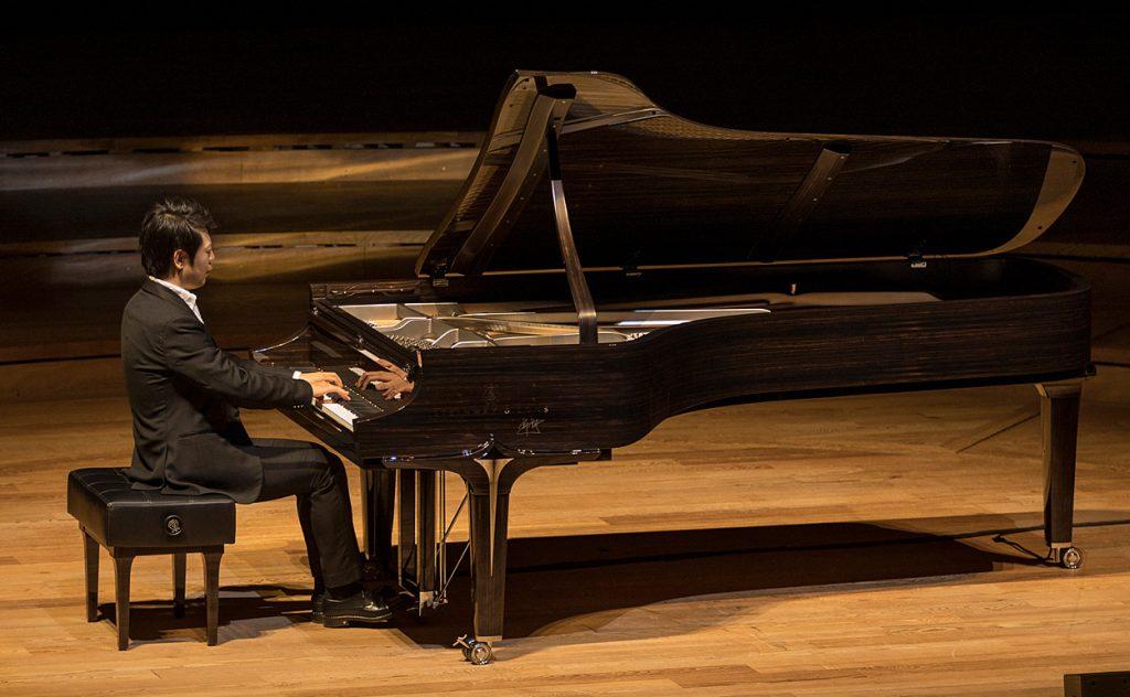 Lang Lang playing the Lang Lang Black Diamond piano