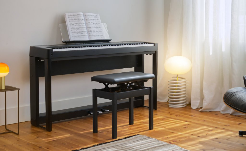 image of Kawai ES920B with stool in lounge setting