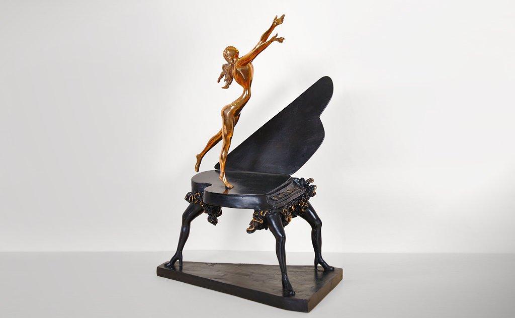 full image of Dali's Surrealist Piano on studio background