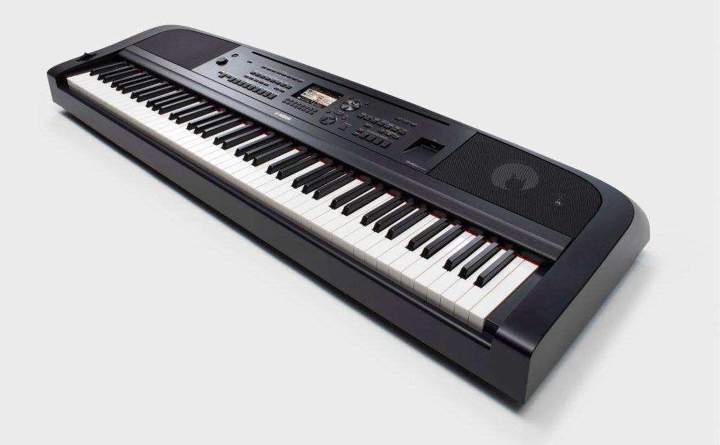 Yamaha DGX-670 Portable Grand Ensemble without stand