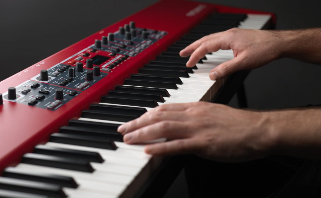 Hands on The Nord Piano 5
